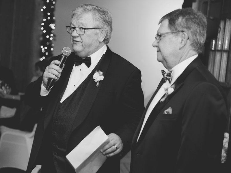 Le discours de mariage des pères des mariés
