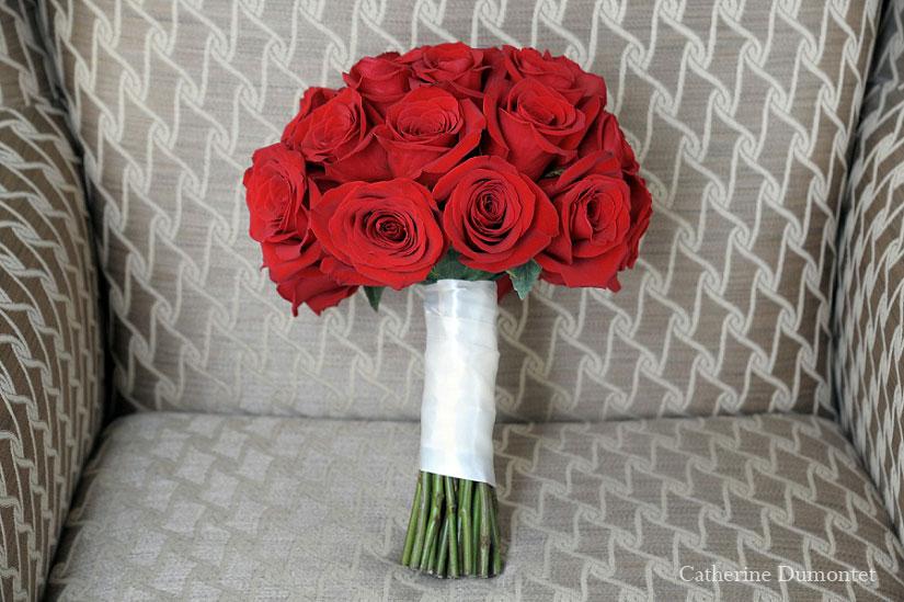 bouquet de mariage de roses rouges