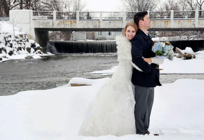 winter wedding photos in Coteau-du-Lac