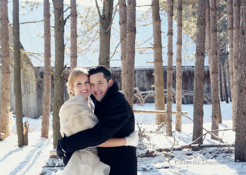 newlyweds in the Laurentians woods