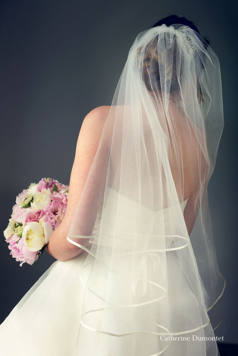 La mariée de dos au Château de Joliette