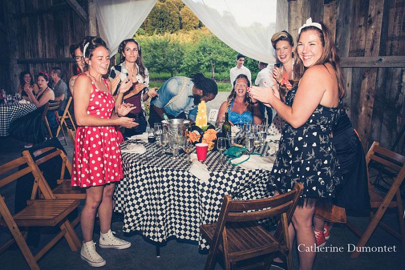 Invitées lors de la réception des mariées