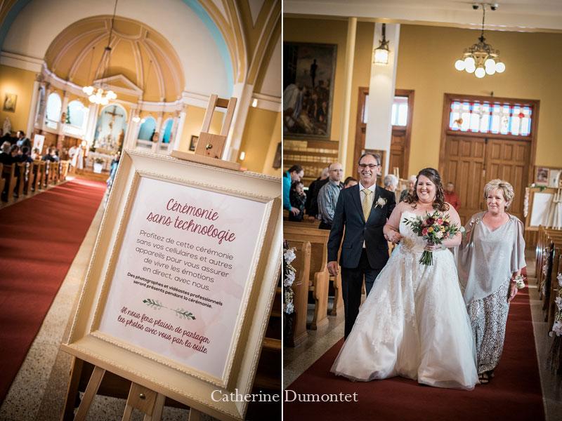 L'entrée de la mariée avec ses parents