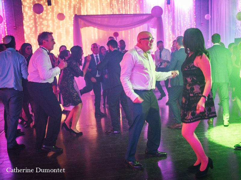 danse pendant la réception au Living Room