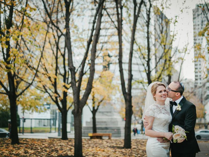 Les mariés au Square-Victoria