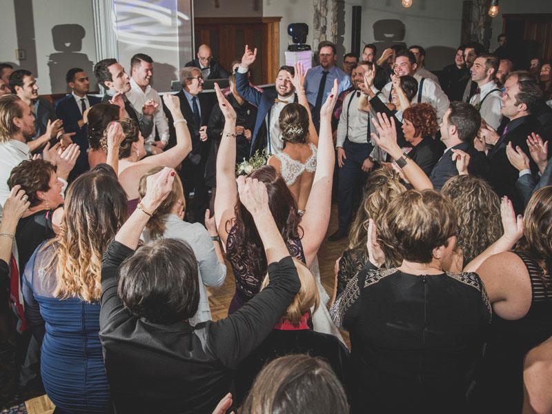 l'entrée des mariés lors de la réception