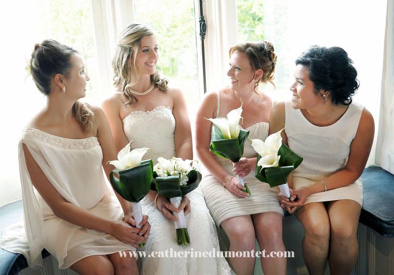 La mariée avec ses demoiselles d'honneur au Manoir Rouville