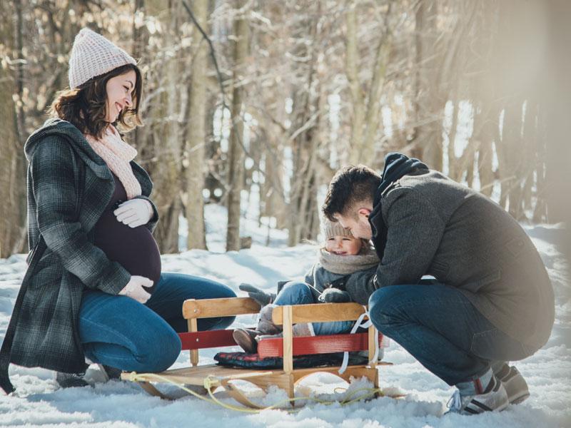 photos de maternité au Parc en hiver