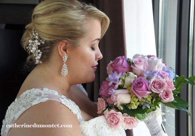 la mariée et son bouquet de mariage