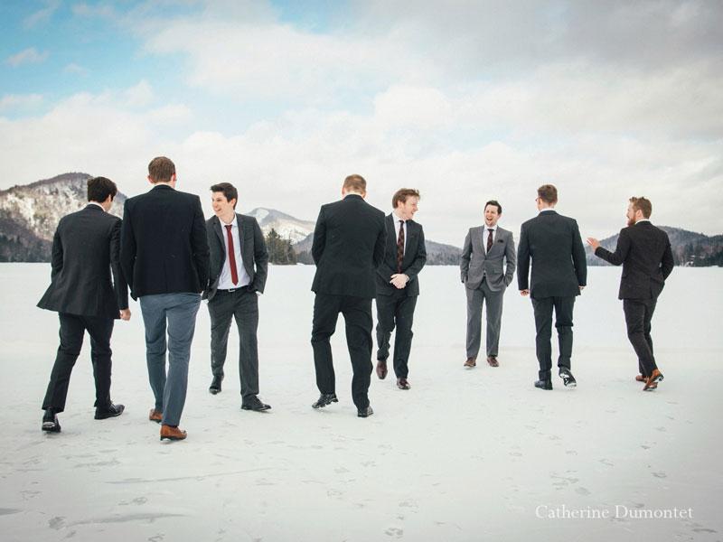 Le marié et ses amis au Elysium du Lac-Supérieur