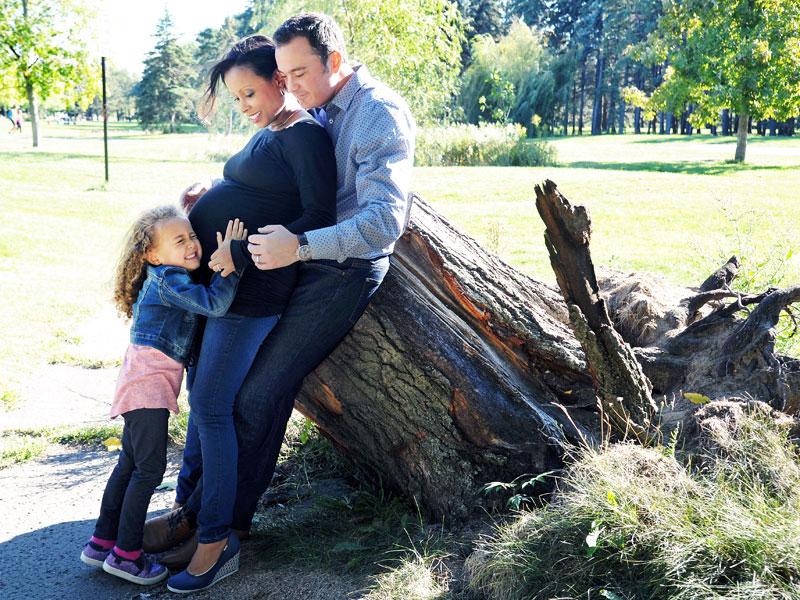 une famille qui attend un deuxième enfant