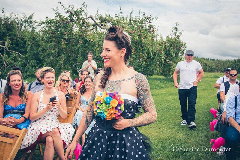 l'arrivée de la mariée pendant la cérémonie