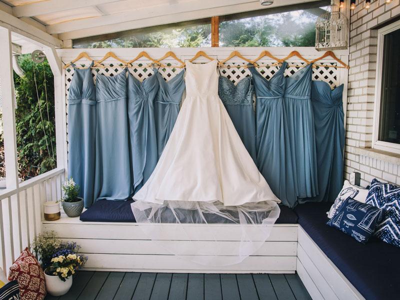 robe de la mariée et demoiselles d'honneur