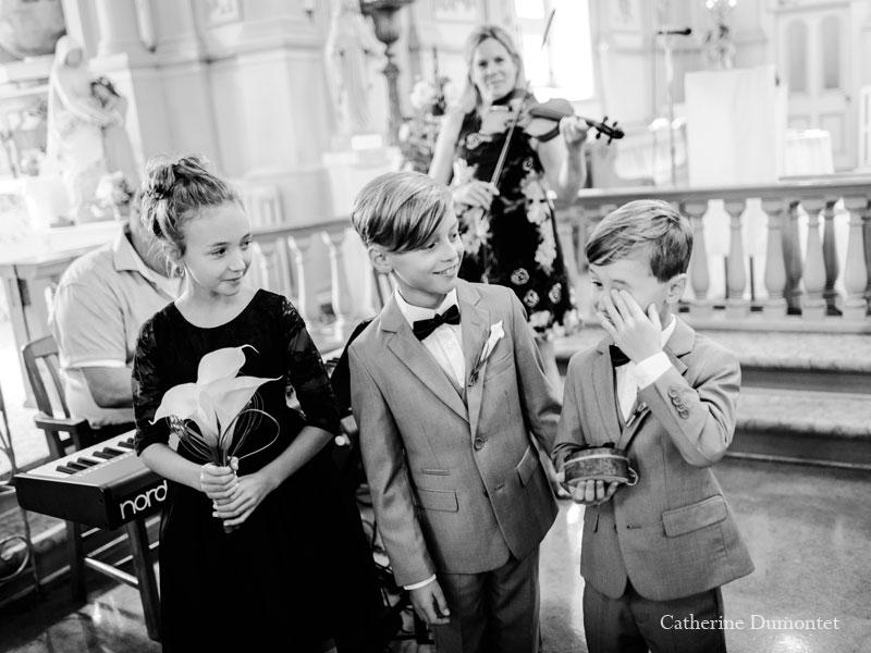 cérémonie de mariage à l'église Sainte-Jeanne de Chantal