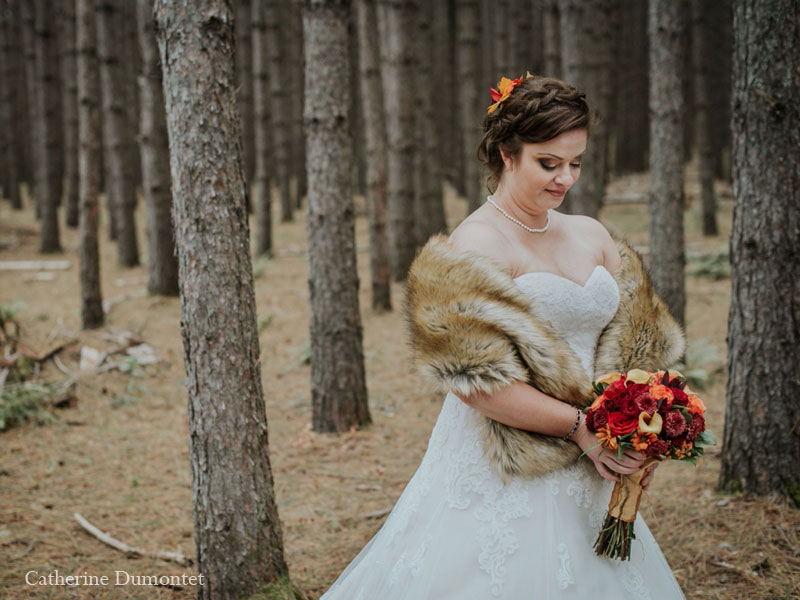 Portrait of the bride in Tremblant's forest