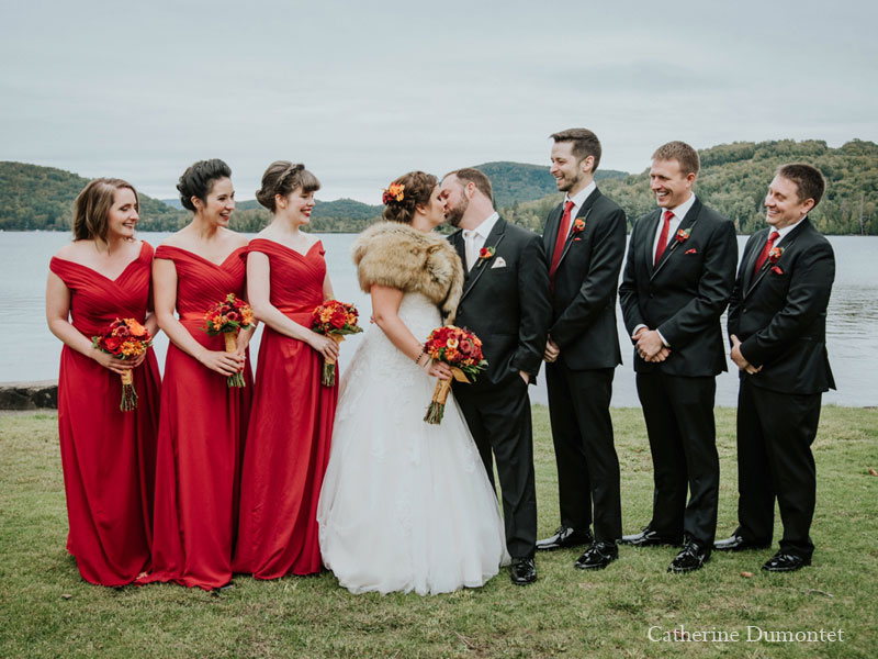 wedding party in front au Lac Ouimet
