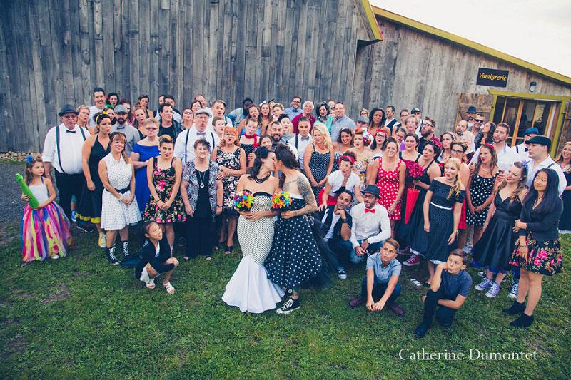 Photo de groupe avec tous les invités