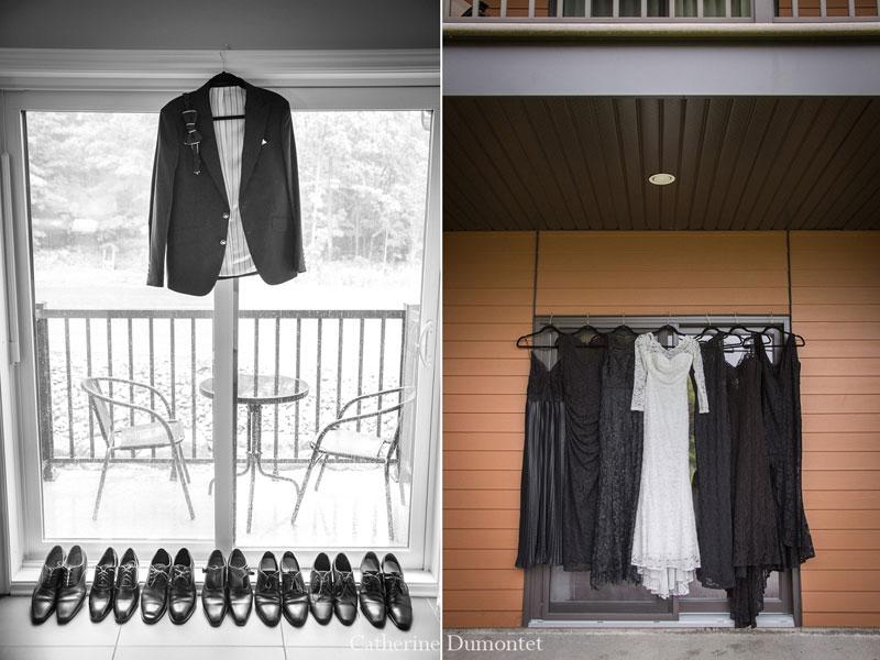 les habits des mariés suspendus