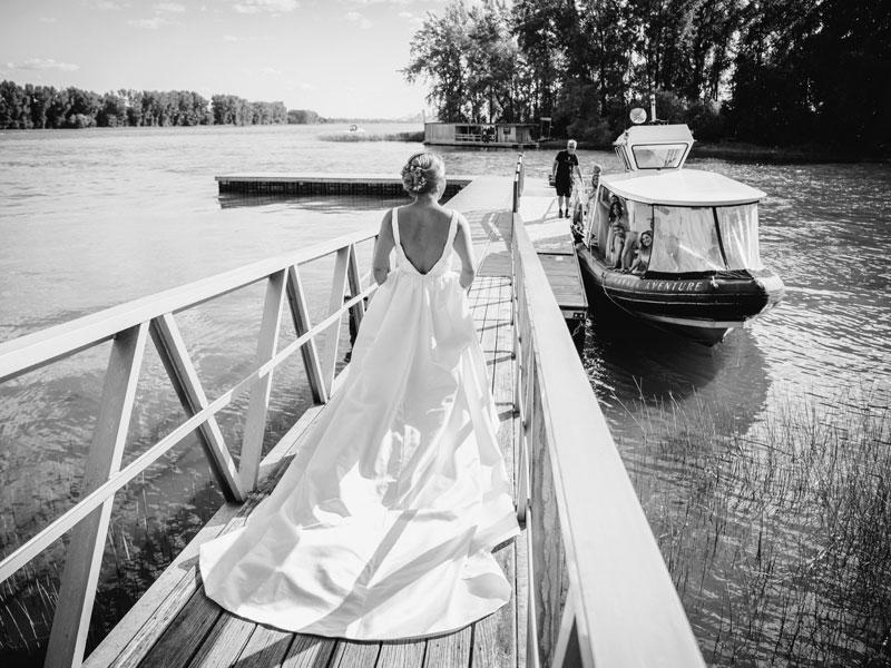 le départ de la mariée pour l'île Navark