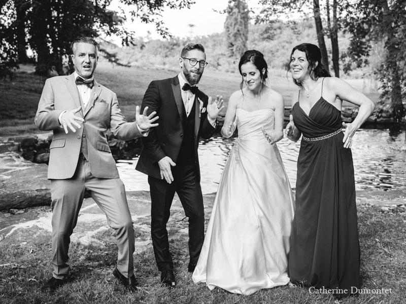 Les mariés avec cortège au Manoir Grant