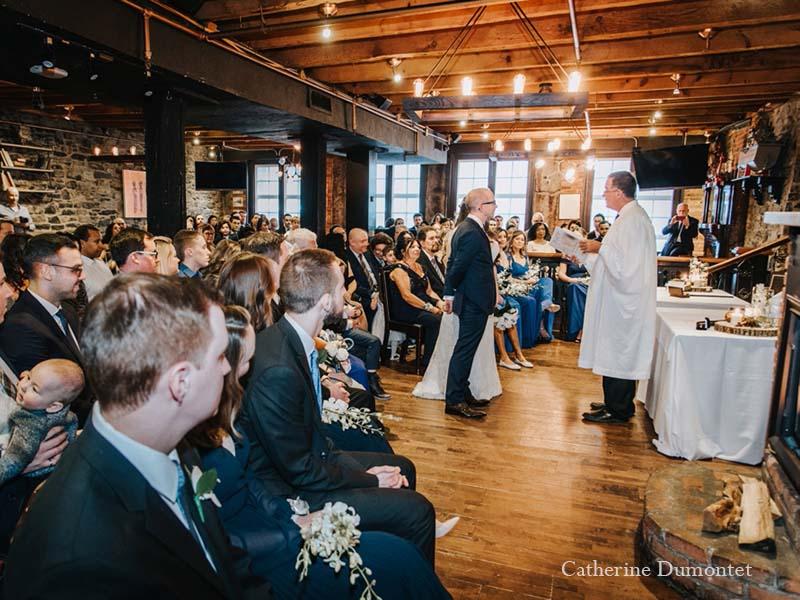 cérémonie avec les mariés au Vieux-Port Steakhouse