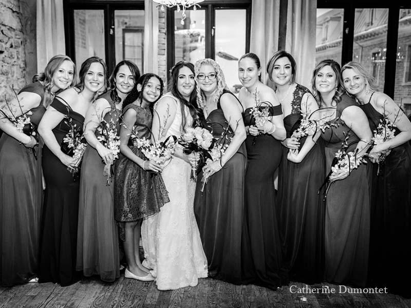 demoiselles d'honneur et mariée au Vieux-Port Steakhouse