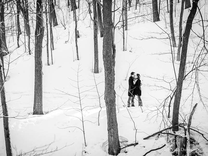 séance fiançailles en hiver à Oka