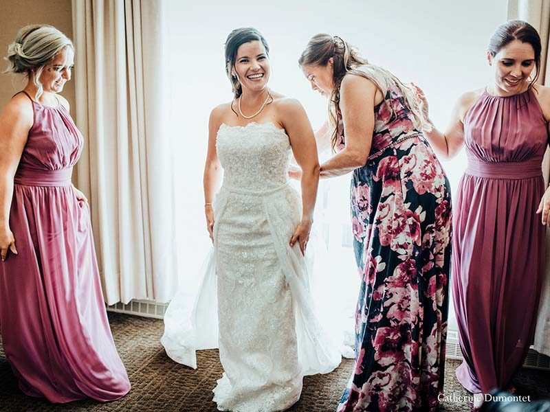 bride with girls at Sommet des Neiges Tremblant