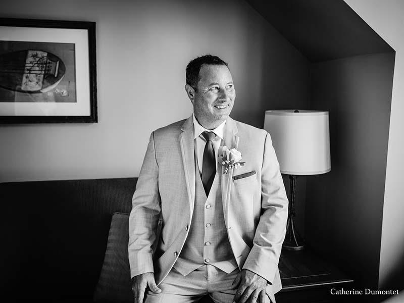 groom in Sommet des Neiges room