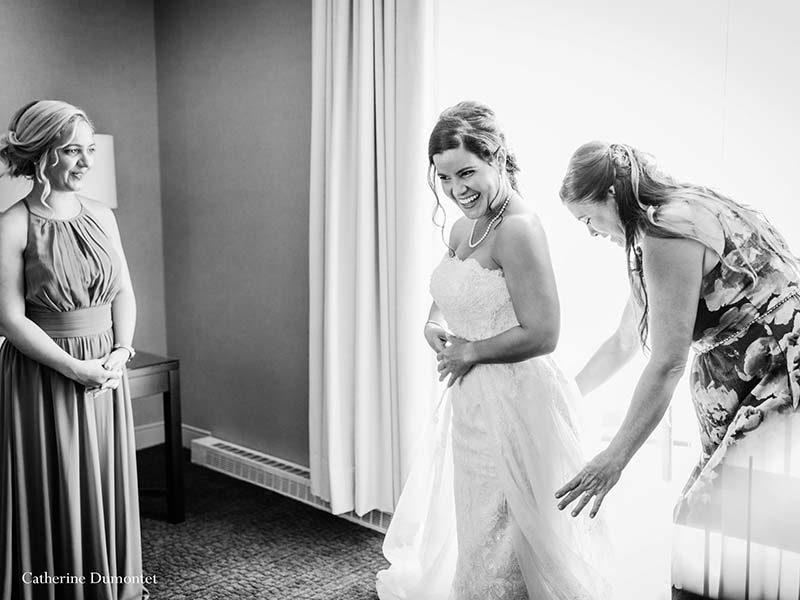 bride getting ready at Sommet des Neiges