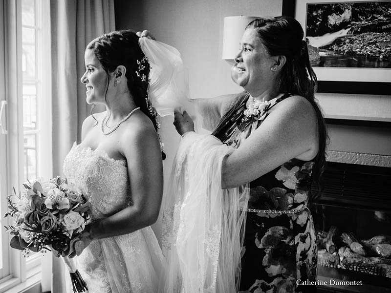 bride getting ready at Sommet des Neiges Tremblant