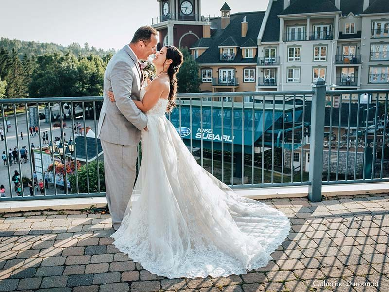 newlyweds in Mont-Tremblant village