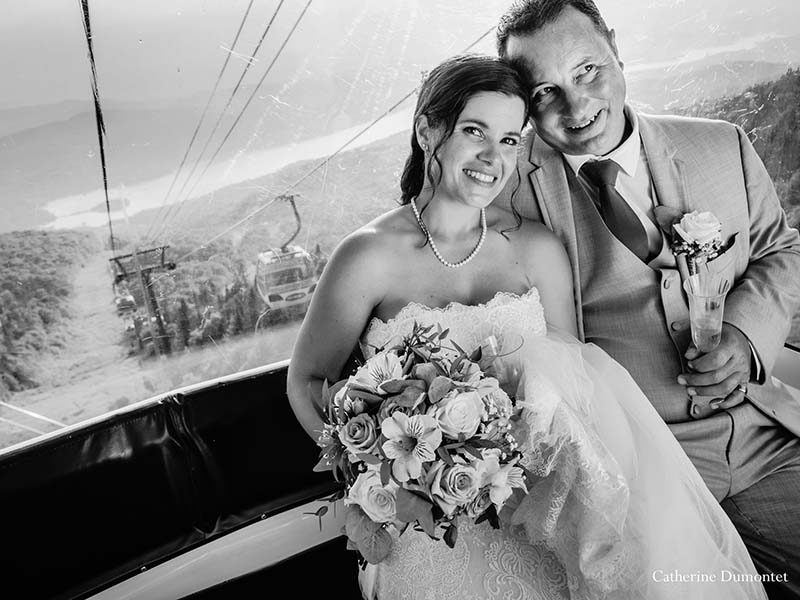 newlyweds in cable car in Mont Tremblant