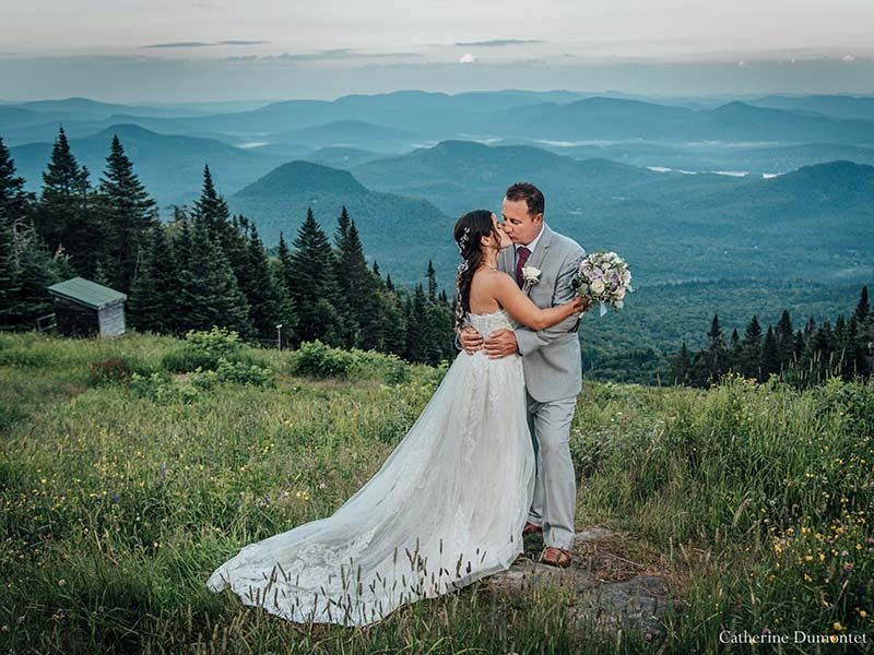 bride and groom at Mont Tremblant Grand Manitou summit