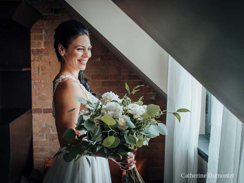 Portrait de la mariée à l'Hôtel Place D'Armes