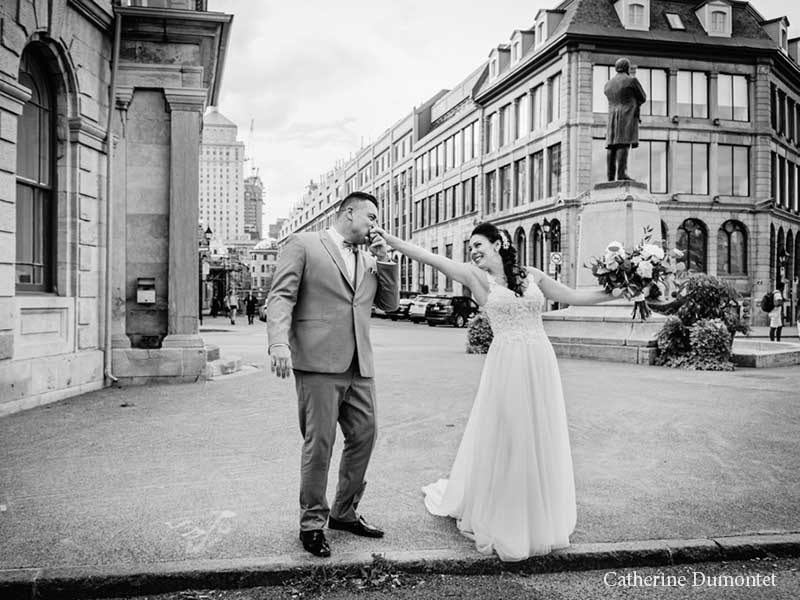 Les mariés dans le Vieux-Montréal