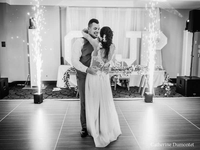 Première danse des mariés à l'Hôtel Place D'Armes