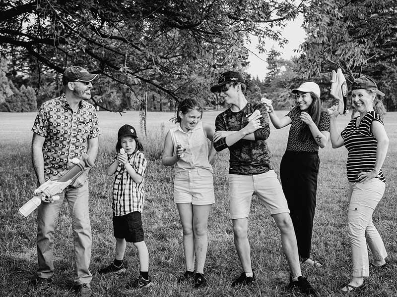 photo de famille au Parc Maisonneuve