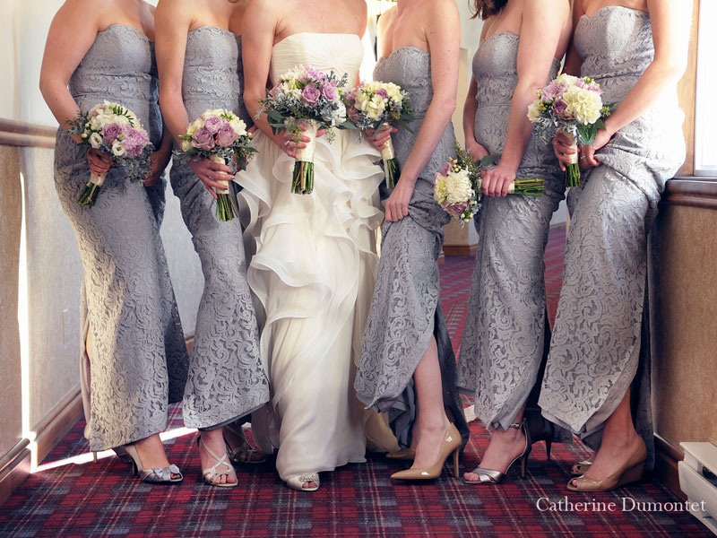 zoom on the wedding shoes and dresses