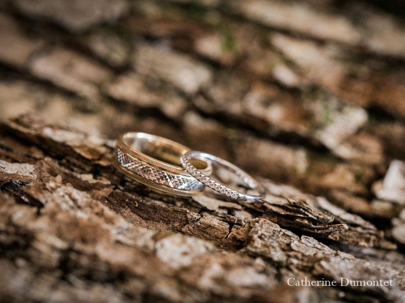 bagues des mariés en gros plan