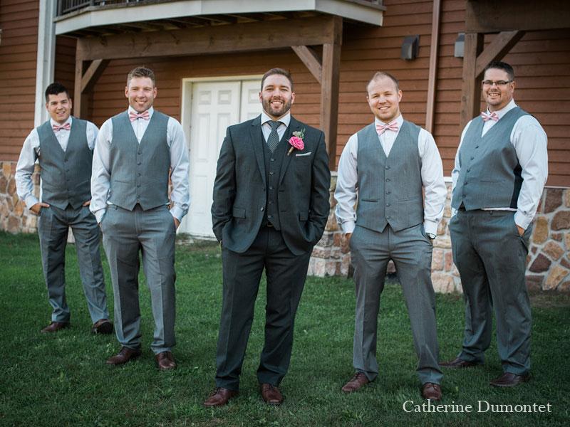 le marié et ses garçons d'honneur