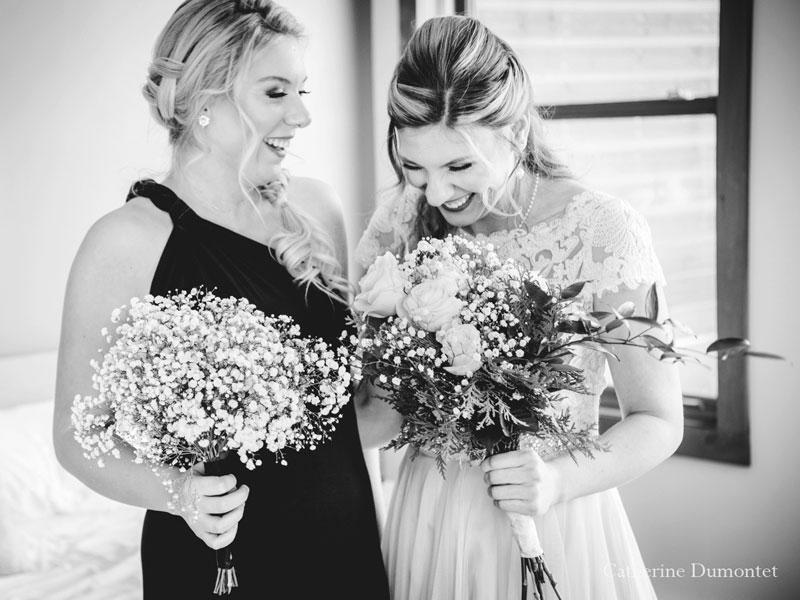 mariée et demoiselle d'honneur au Elysium Resort & Spa