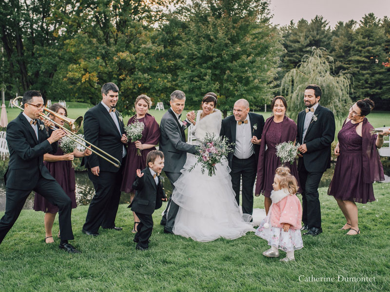 cortège et mariés à La Distinction
