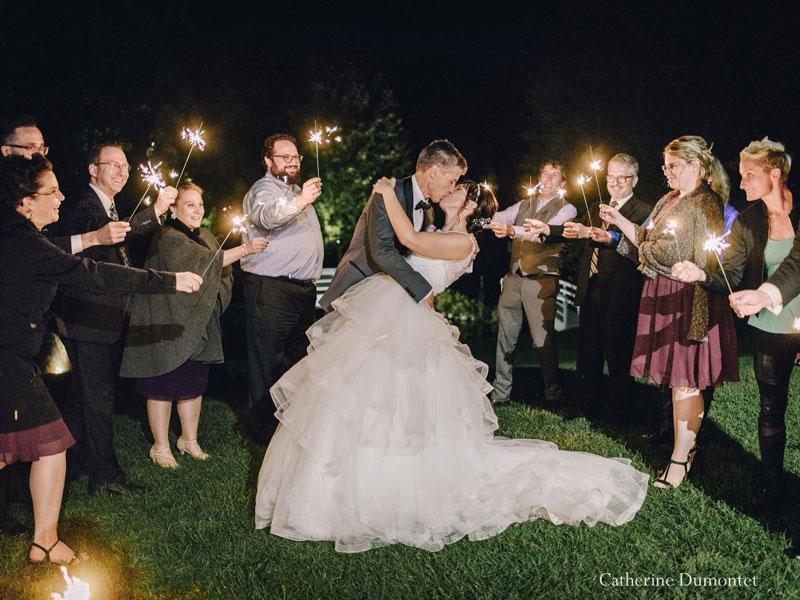 mariés et feux de bengale à la Distinction