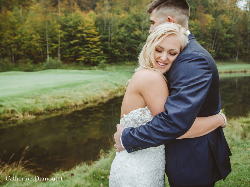 newlyweds at Mont-Gabriel