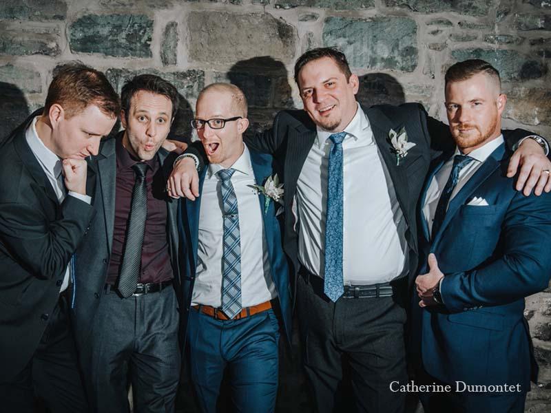 le marié avec ses amis au Vieux-Port Steakhouse