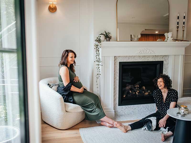 séance maternité avec deux mamans